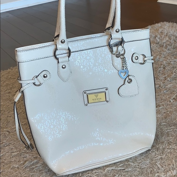 Guess Handbags - ORIGINAL GUESS WORN COUPLE TIMES GREAT CONDITION